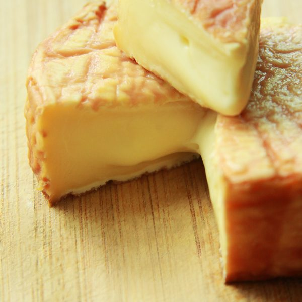 A close up of Époisses Cheese