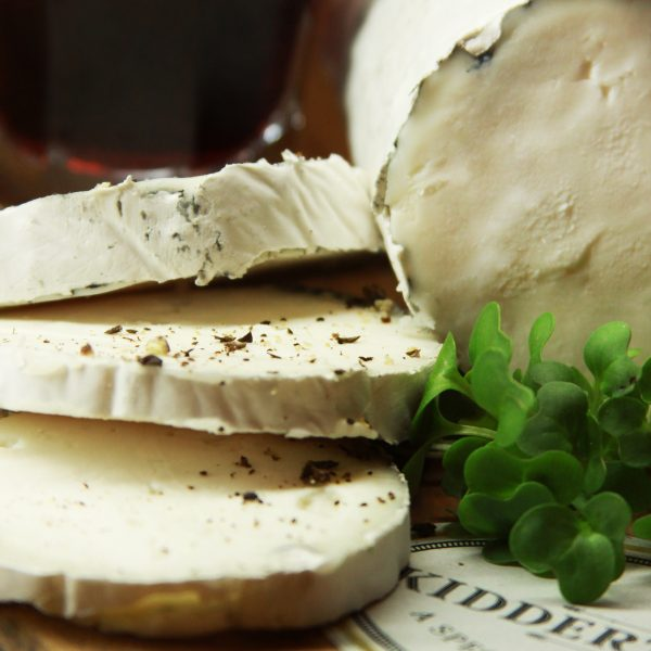 A close up on the Kidderton Ash Cheese